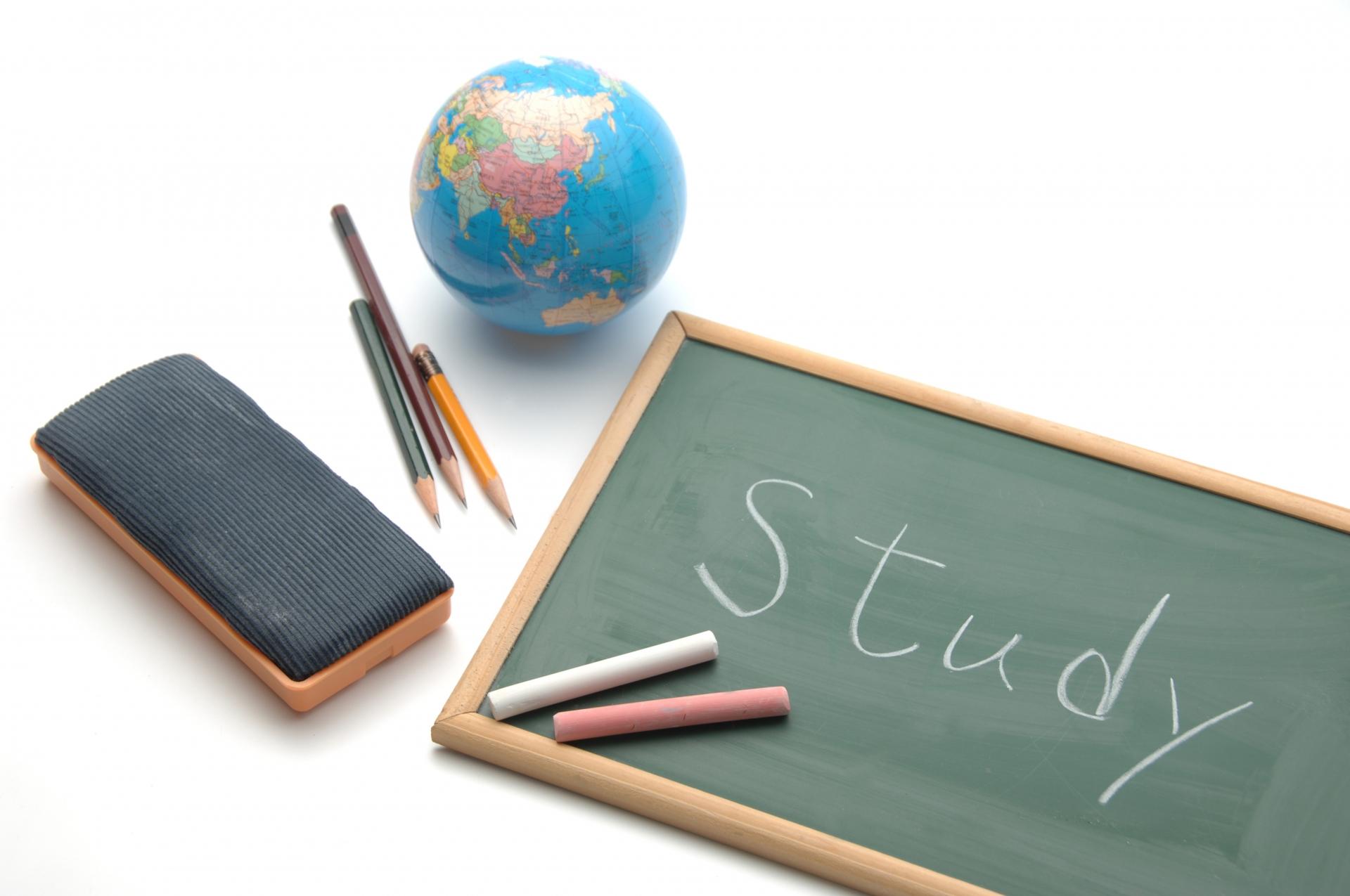 【アルバイト体験談インタビュー】家庭教師として子どもに勉強を教える